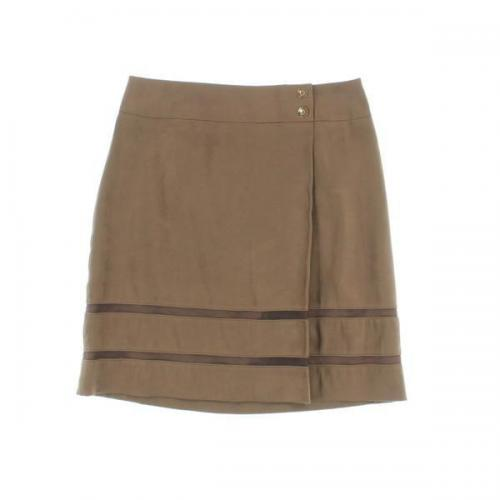 [Pre-Owned] UNTITLED skirt size: 2 (M position)