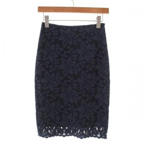 [Pre-Owned] gout commun skirt size: 36 (L position)