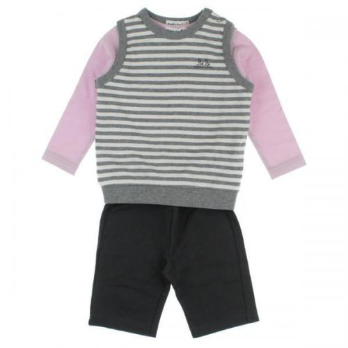 [Pre-Owned] BeBe suit size: 90