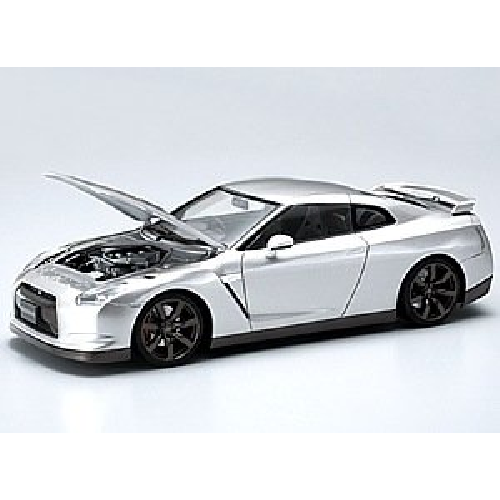 Aoshima Bunka Kyozai 1/24 The Best Car GT Series No.18 Nissan R35 GT-R Model Car with engine