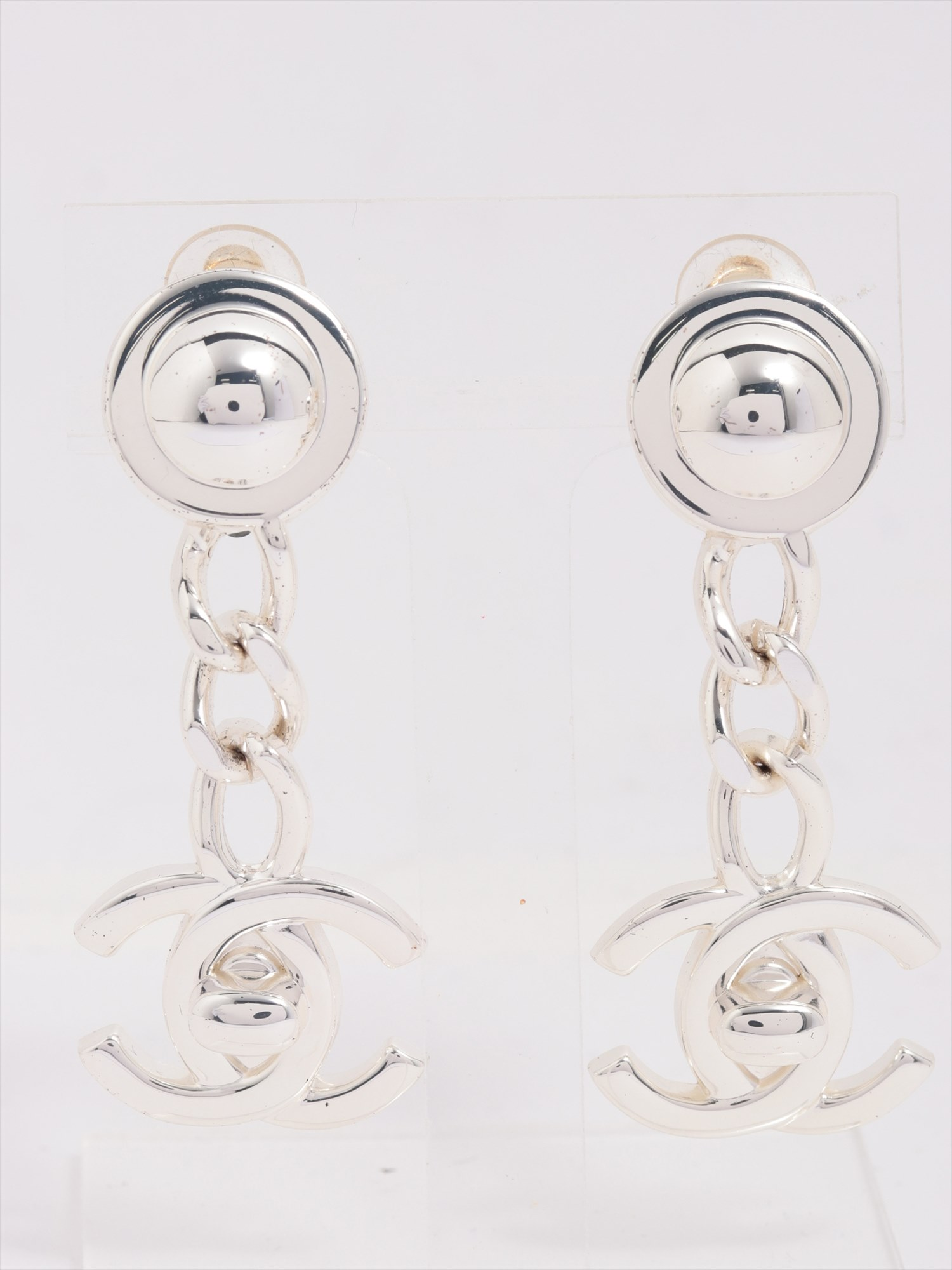 [Used goods] Chanel Coco mark earrings (for both ears) metal material silver turn lock 96A