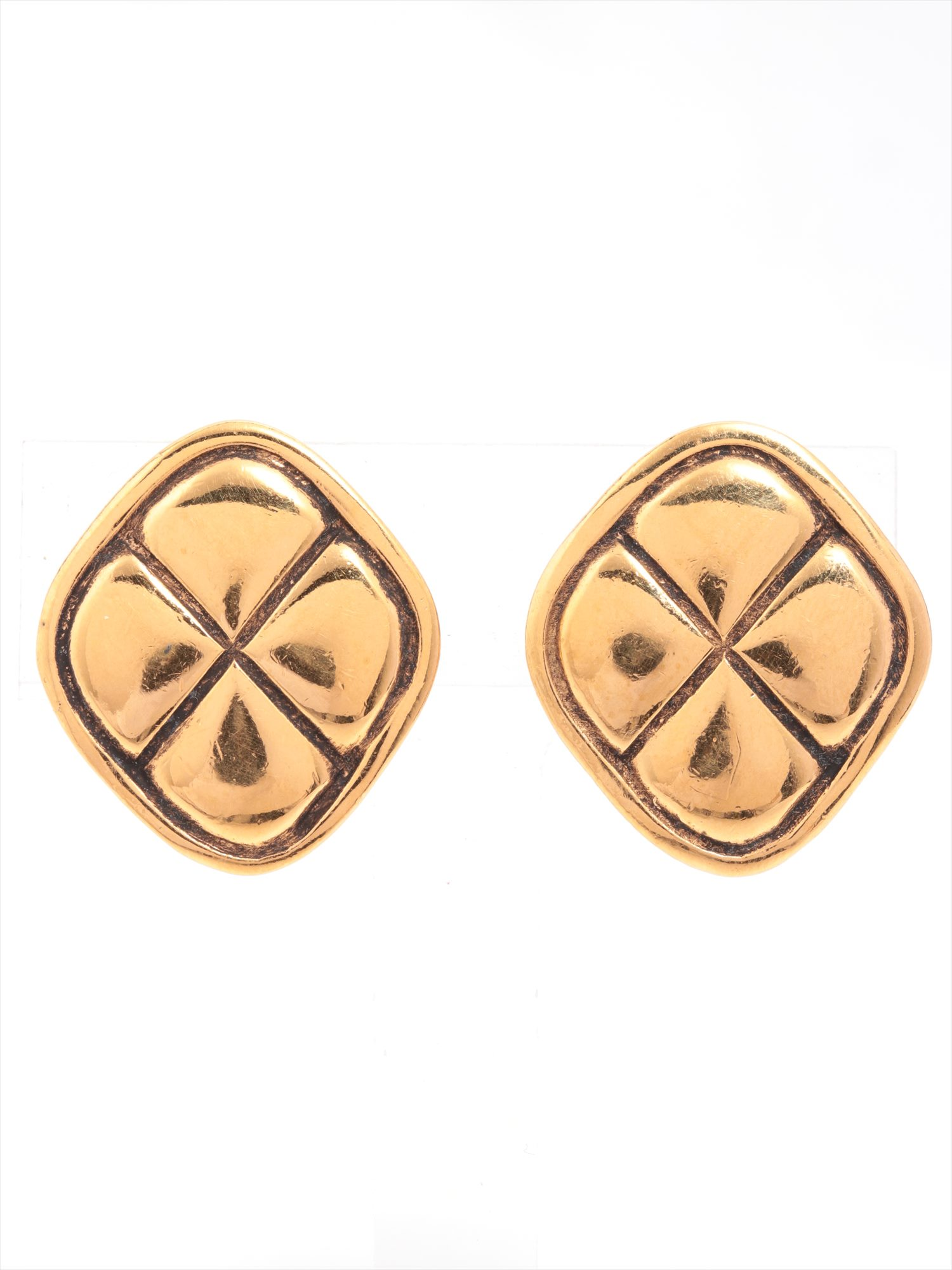 [Used goods] Chanel Matorasse earrings (for both ears) GP Gold