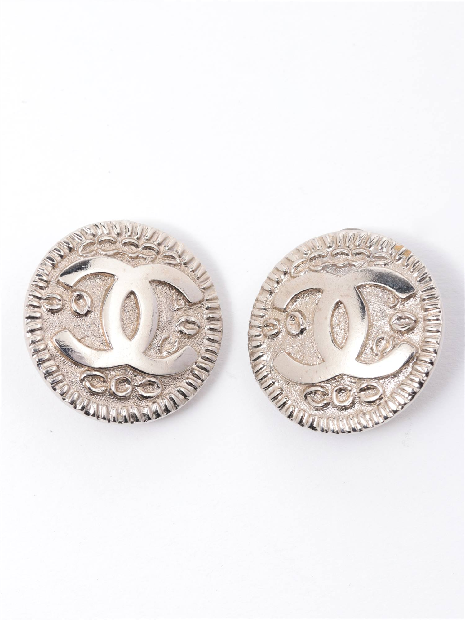 [Used goods] Chanel earrings (for both ears) Brass Silver Round