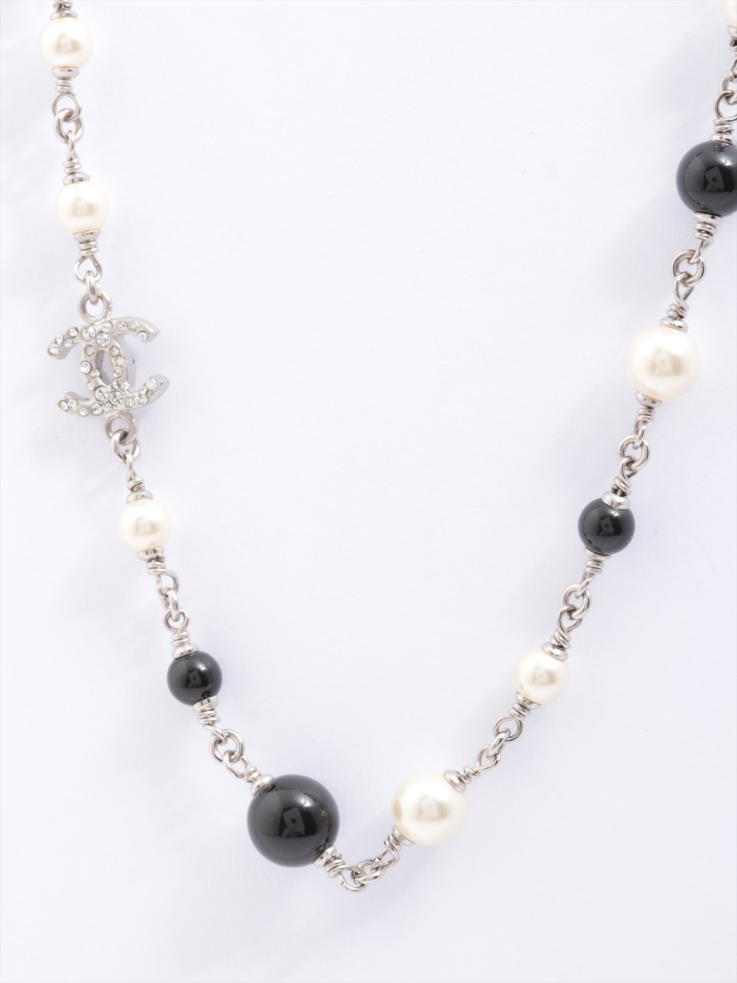 [Used goods] Chanel necklace Long metal material silver faux pearl rhinestone B11P